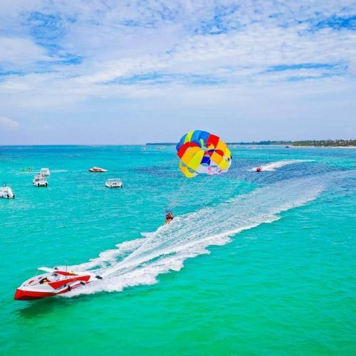 dominican-republic-punta-cana-things-to-do-must-do-excursions-tours-attractions-snorkel-party-boat-catamaran-toursnation-parasailing1